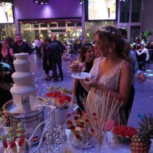 בר מתוקים לחתונה מפואר עם הכלה
