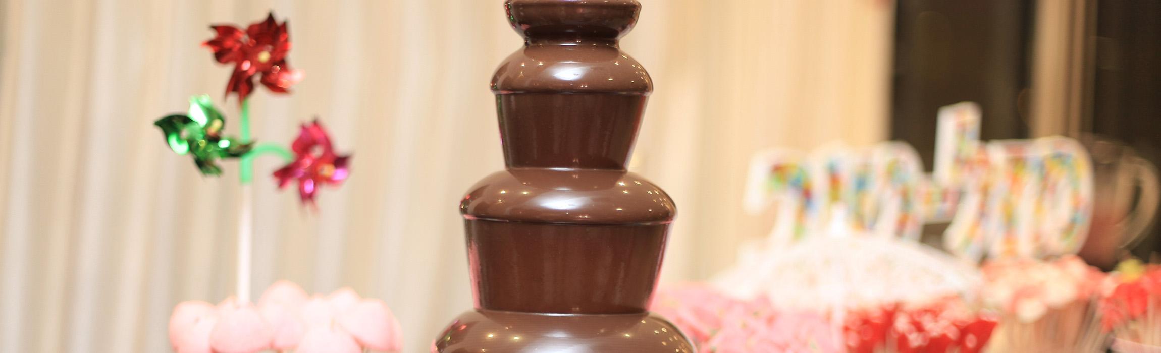 מפלי שוקולד לטבילת פירות וממתקים