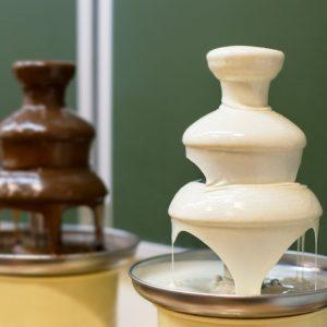 מפל שוקולד לאירועים לבן וחום